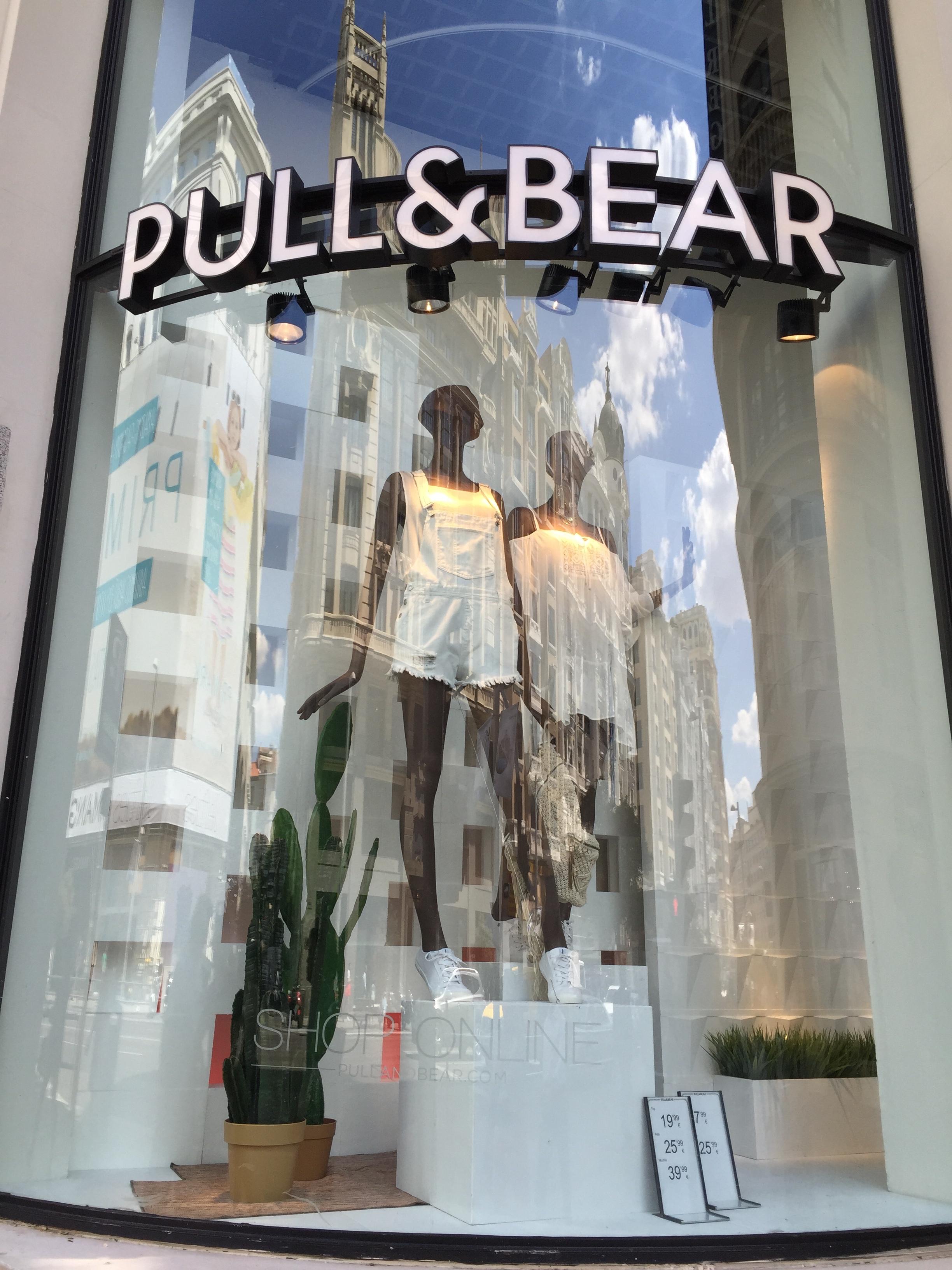 Pull & Bear - mais jovem com atitude