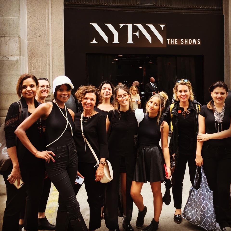 Primeiro NY Fashion Tour- Setembro 2015- Curso de moda em Nova York - como participar no backstage dos desfiles - Sana de moda de Nova York - backstage dos desfiles