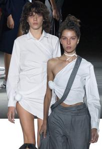camisa branca-Jacquemus no PFW-crivorot scigliano